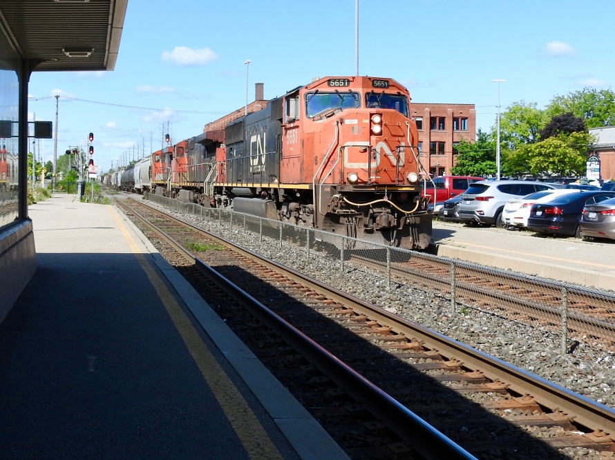 The freight, led by an aging (built in 1996) EMD SD75 (4,300 HP)
