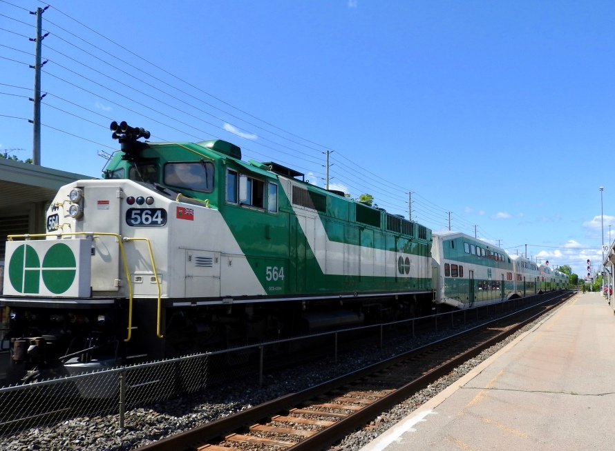 Westbound GO train led by Led by F59 (3,000 HP), pauses at Brampton